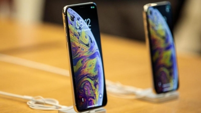 Three new iPhones reviewed: Faster, bigger, cheaper